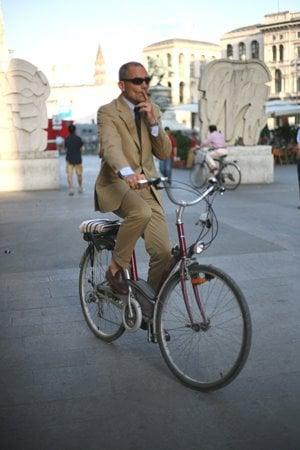 Bikingandsmoking