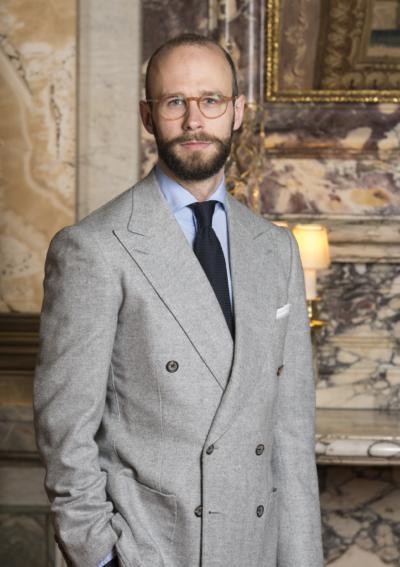 Pale-grey DB jacket and dark tie