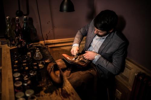 Corthay shoe polishing