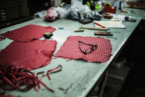 Scuola del Cuoio intercciato leather