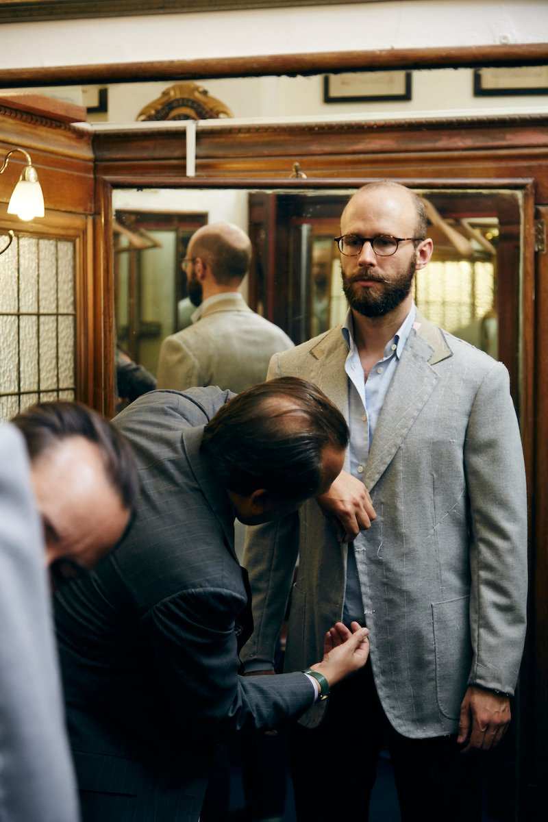 Steven Hitchcock fitting: Let the tailor cut his style