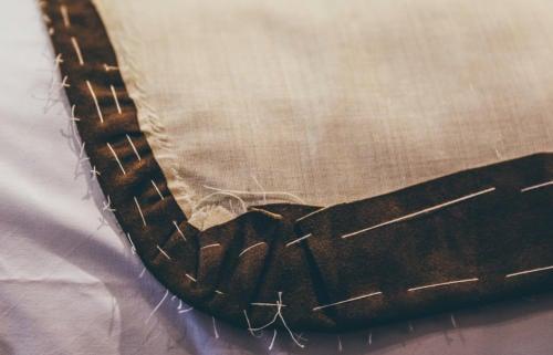 Suede jacket basting stitching