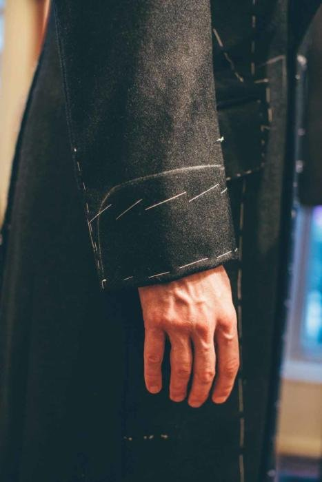 bespoke overcoat gauntlet cuff