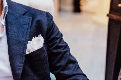 how to dress handkerchief