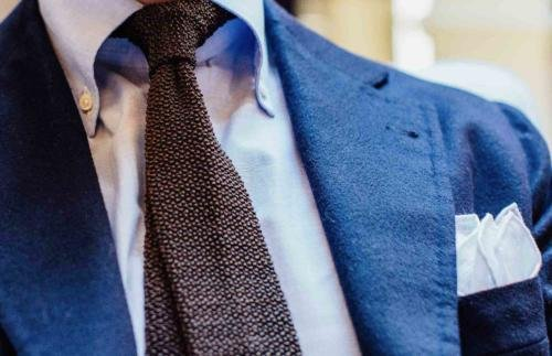 how to dress with tie and handkerchief