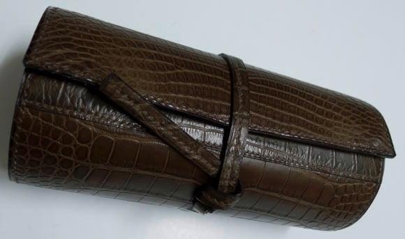 serge-amoruso-crocodile-watch-roll
