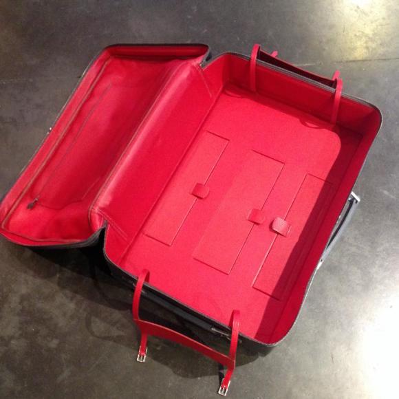 serge-amoruso-suitcase