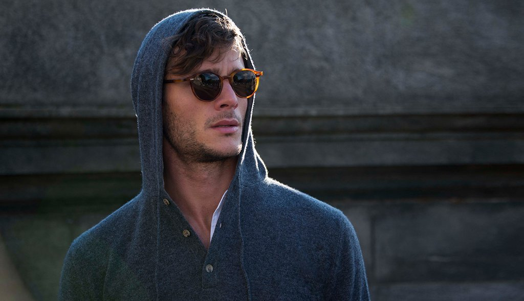 luca-faloni-italain-luxury-cashmere-hoodie-look-8_1024x1024