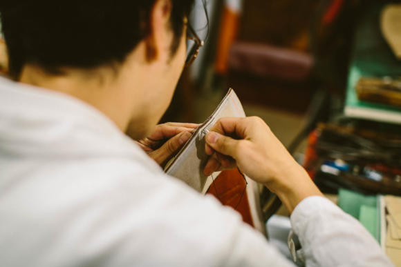 hand-sewing-saddle-stitching-bag-ortus