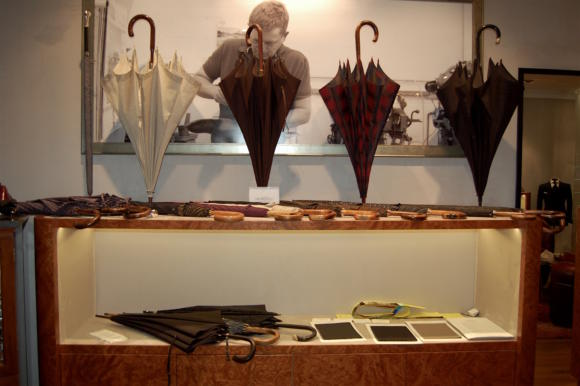 permanent-style-trunk-show-michel-heurtault-umbrellas