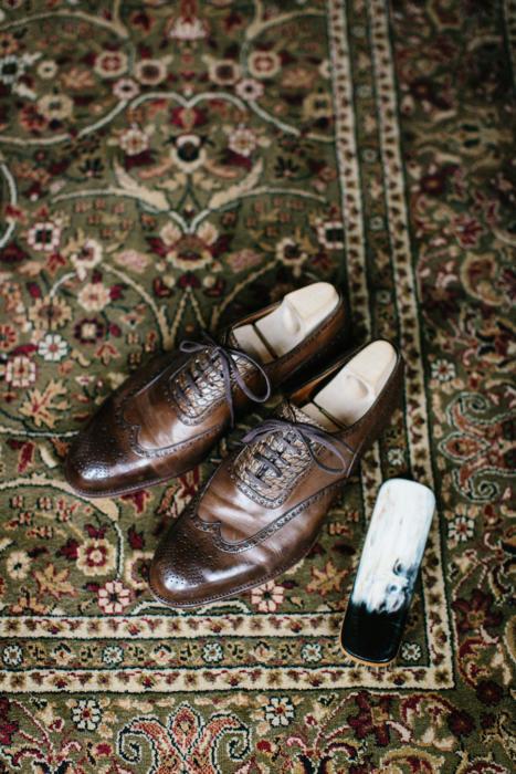 saint-cripsins-wing-tip-shoes