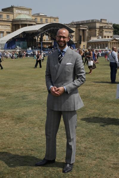 Club tie with DB Prince of Wales suit