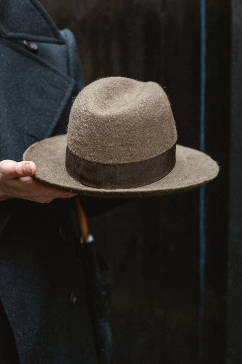 cabbb00a5c95a How a hat should fit (with Stephen Temkin fedora) – Permanent Style