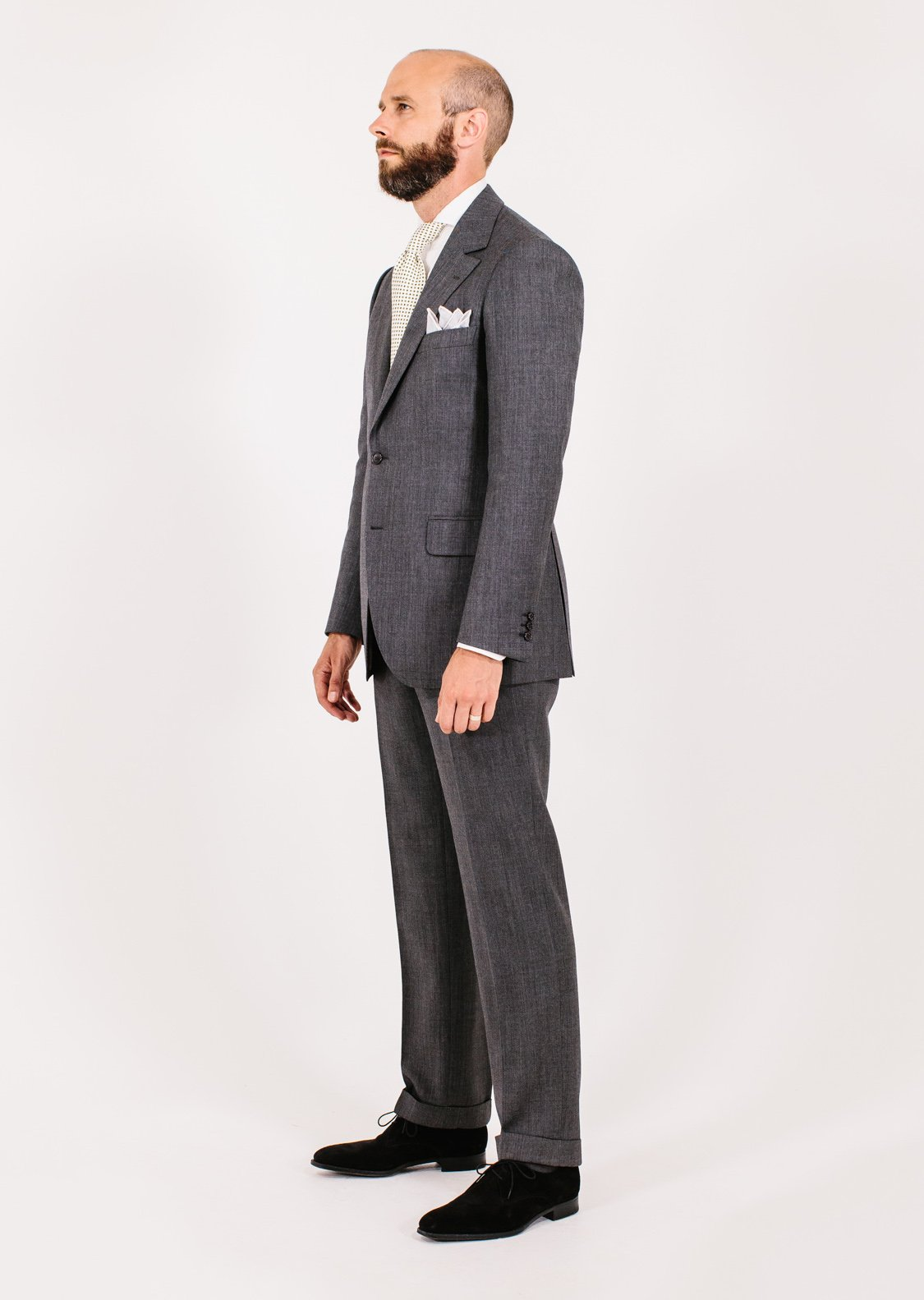 Camps de Luca pick-and-pick suit: Style Breakdown