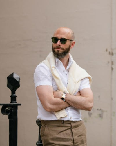 Short-sleeve linen shirt with cream cotton knit